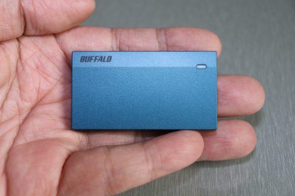 SSD-PSM960U3手に取った所